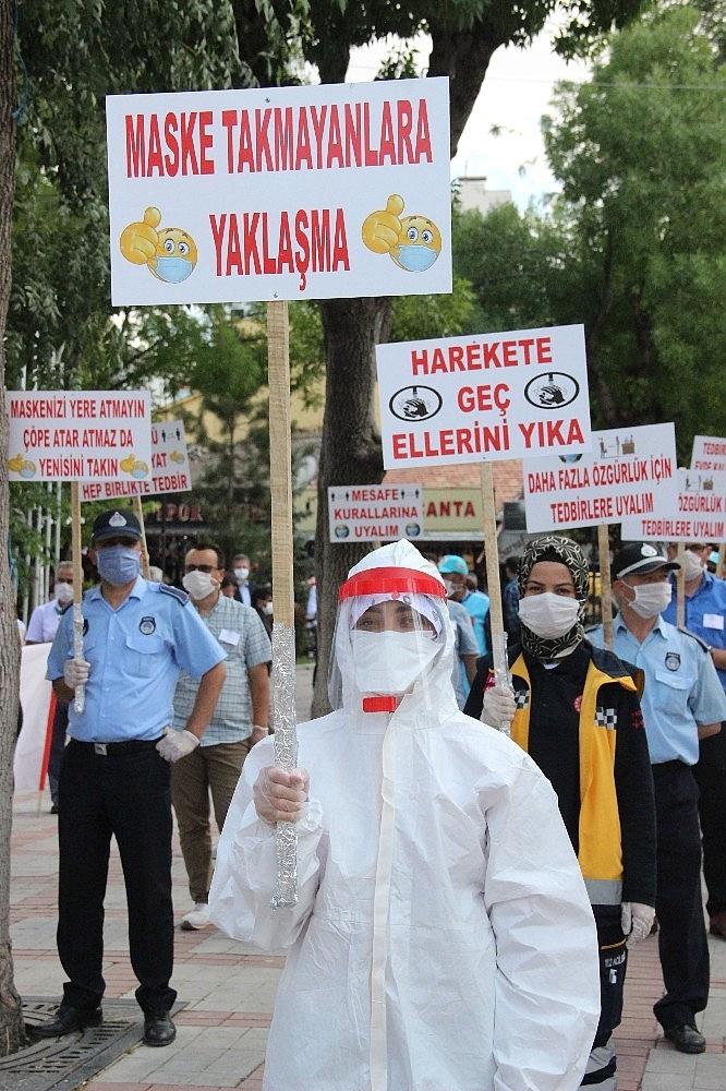 2020/06/karamanda-pandemi-farkindalik-yuruyusu-duzenlendi-20200626AW05-5.jpg