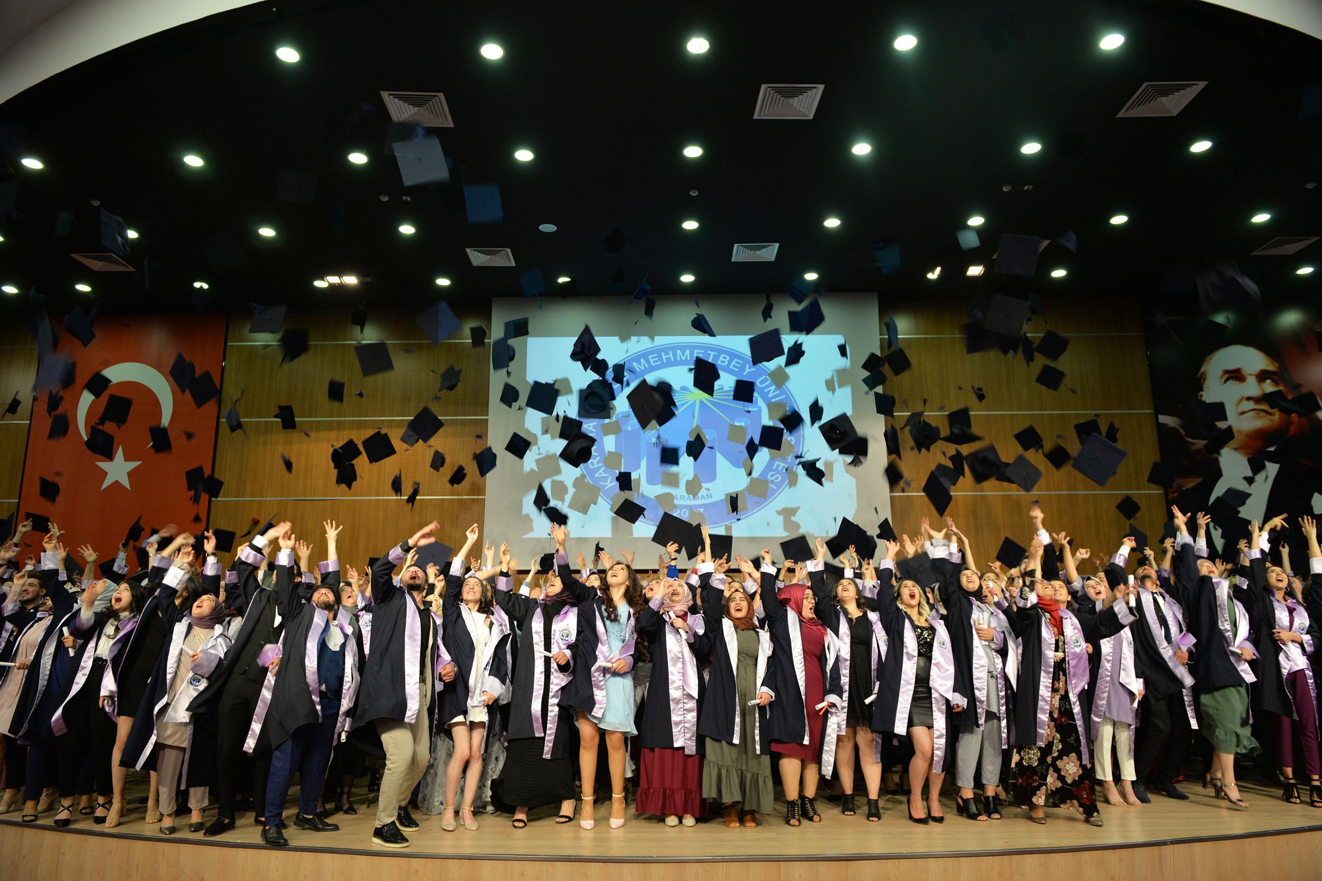 KMÜ'de mezuniyet coşkusu devam ediyor